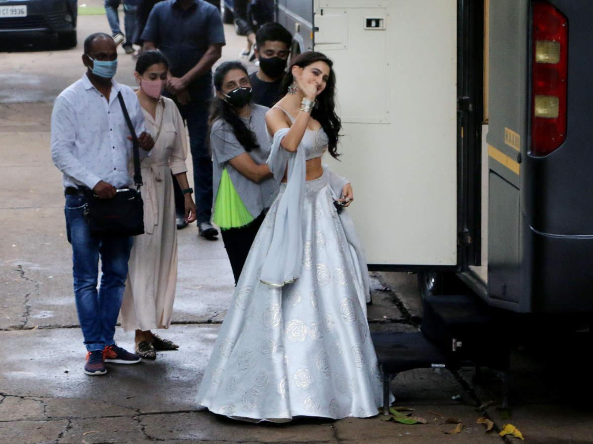 Sara Ali Khan looks like a modern-day princess in this lehenga - Times of India