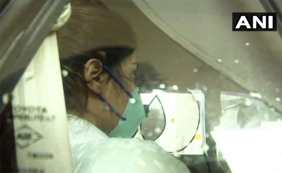 Pictures of Rhea Chakraborty arriving for CBI probe go viral; #ArrestRheaNow trends on social media
