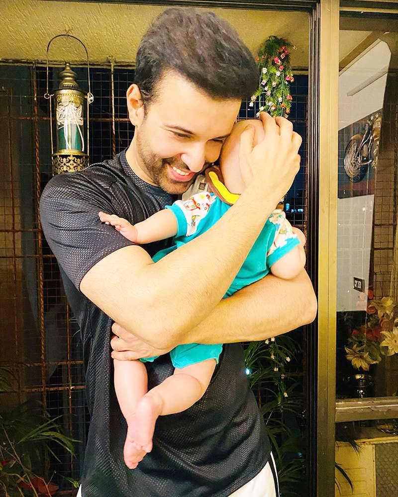 First pictures of Aamir Ali & Sanjeeda Shaikh little daughter on her birthday