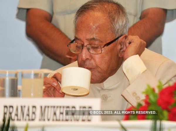 Nation pays tribute to Pranab Mukherjee