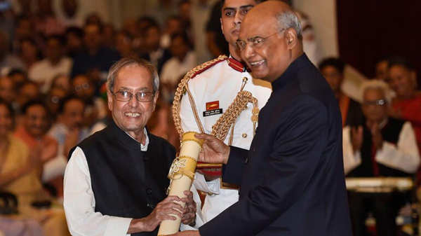 Nation pays tribute to Pranab Mukherjee