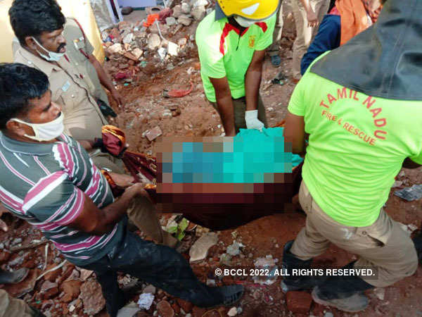 Three dead as building collapses in Coimbatore