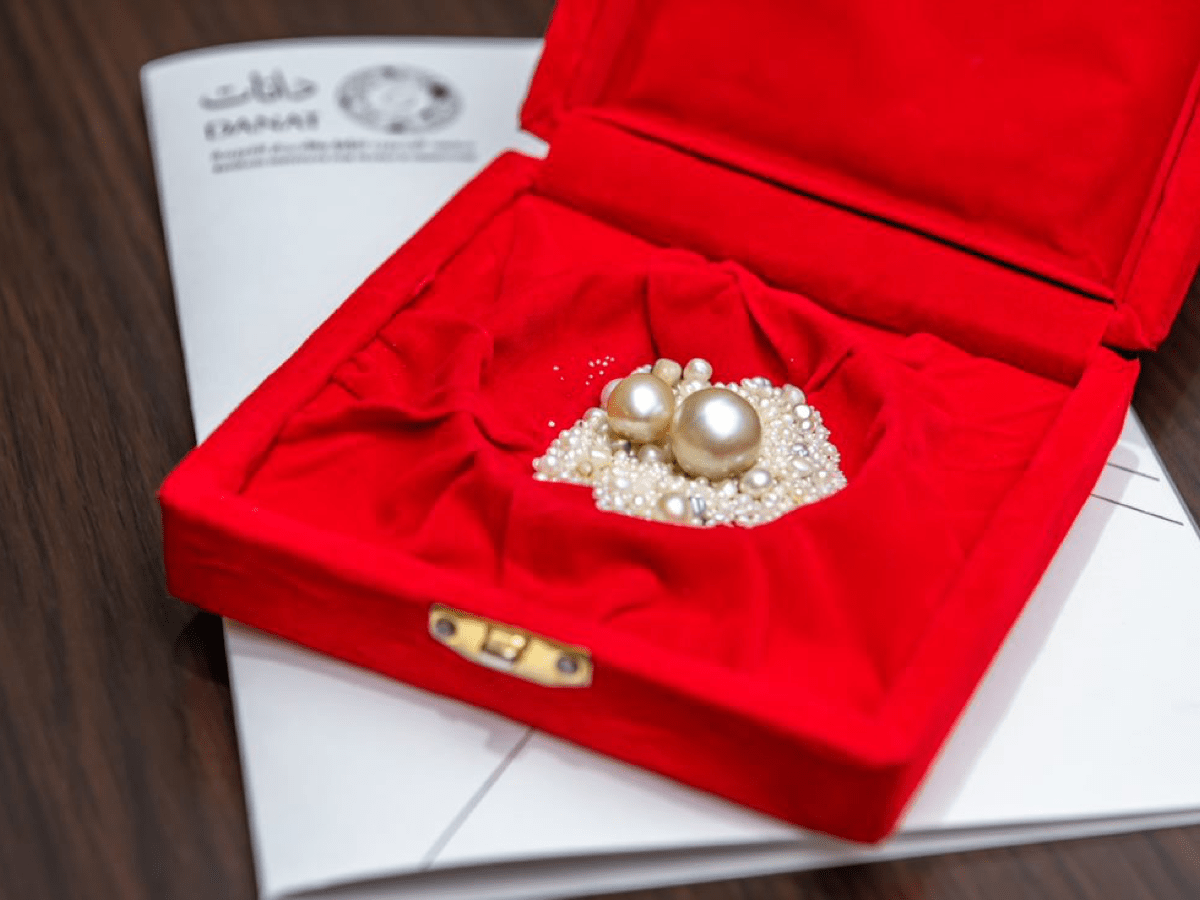 Two rare natural pearls weighing 18 and 9 carats respectively, found by a Bahraini diver; Courtesy: DANAT