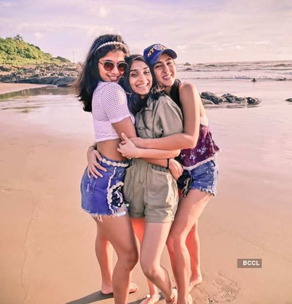 Sara Ali Khan chills in Goa with her friends