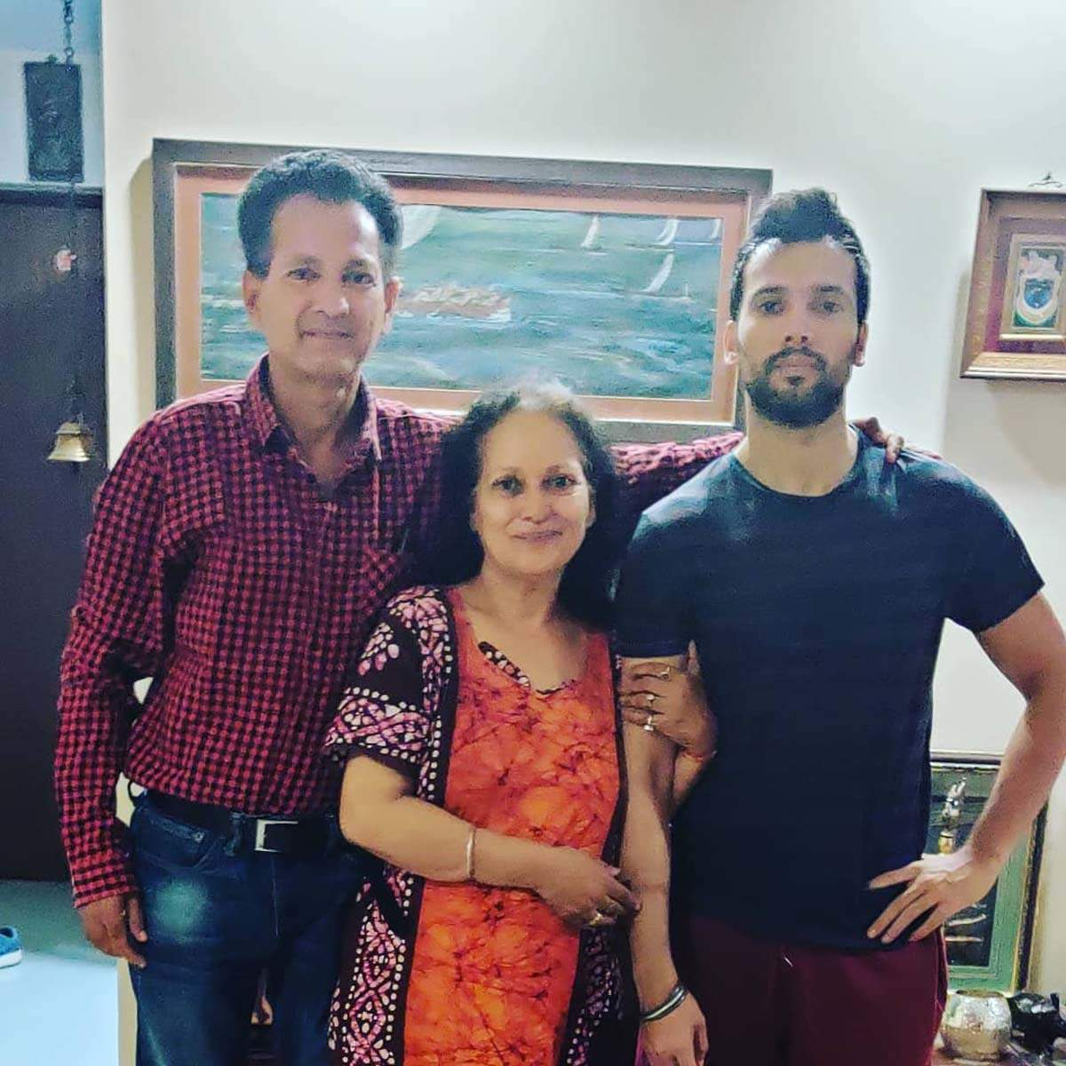 Himani Shivpuri admitted to hospital after testing positive for COVID-19