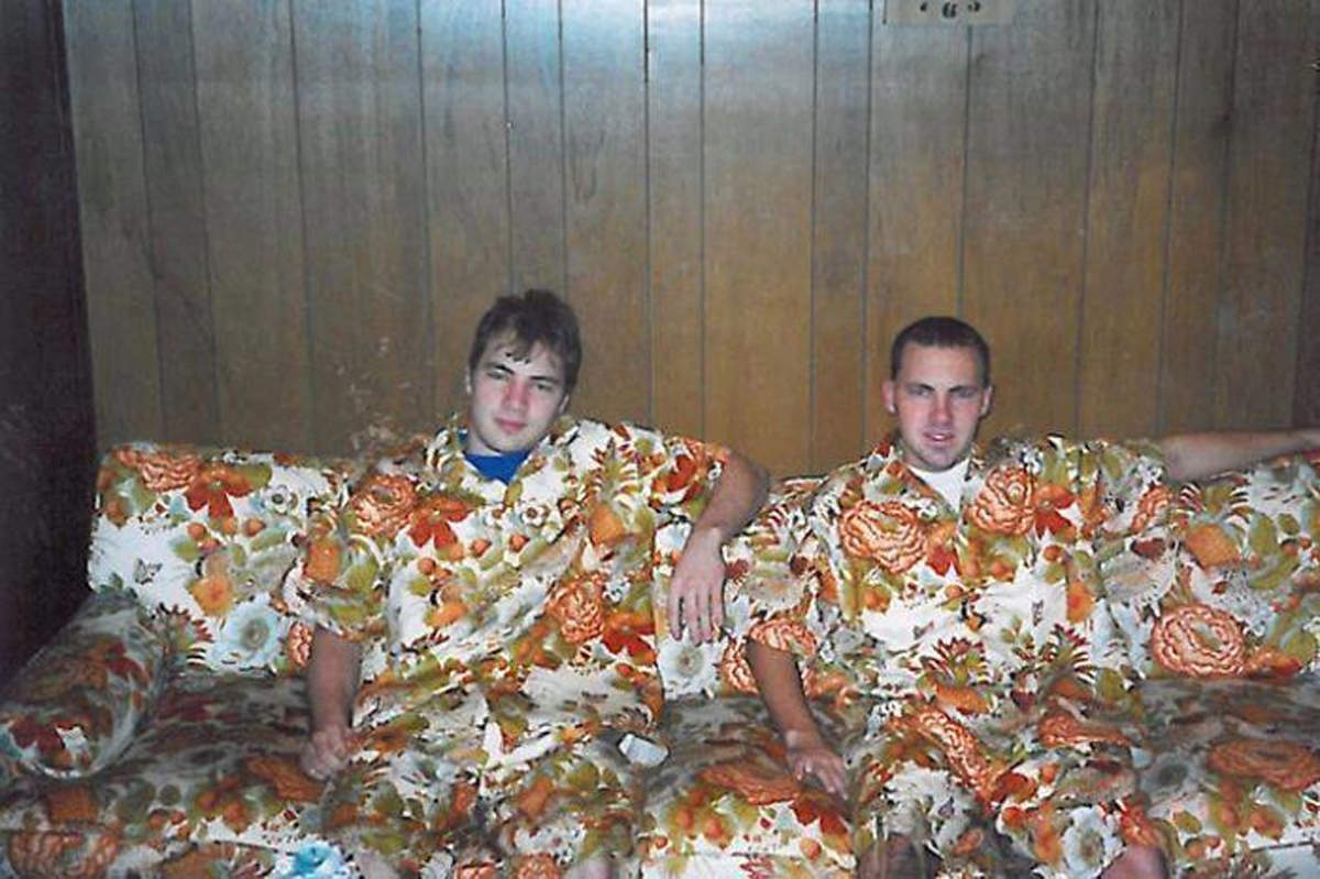 Awkward family photos that will make you laugh!