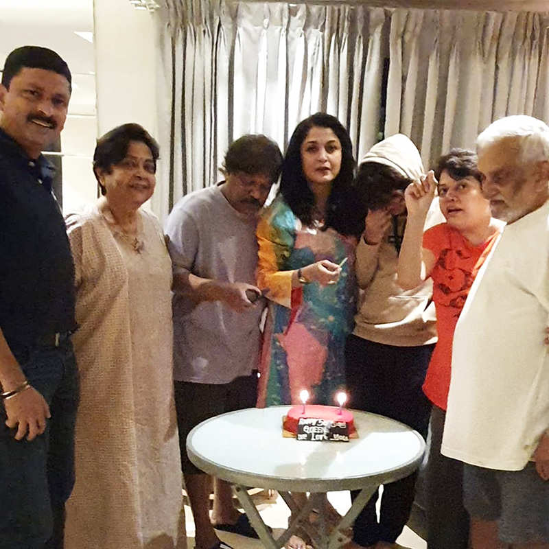 'Baahubali' star Ramya Krishnan celebrates her birthday with family