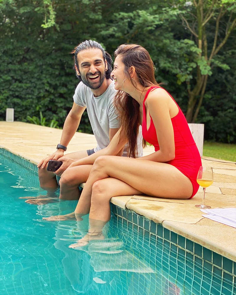 Pulkit Samrat and Kriti Kharbanda are giving couple goals with their new vacation pictures