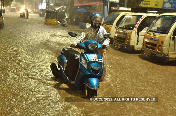 Two killed as heavy rains lash Hyderabad