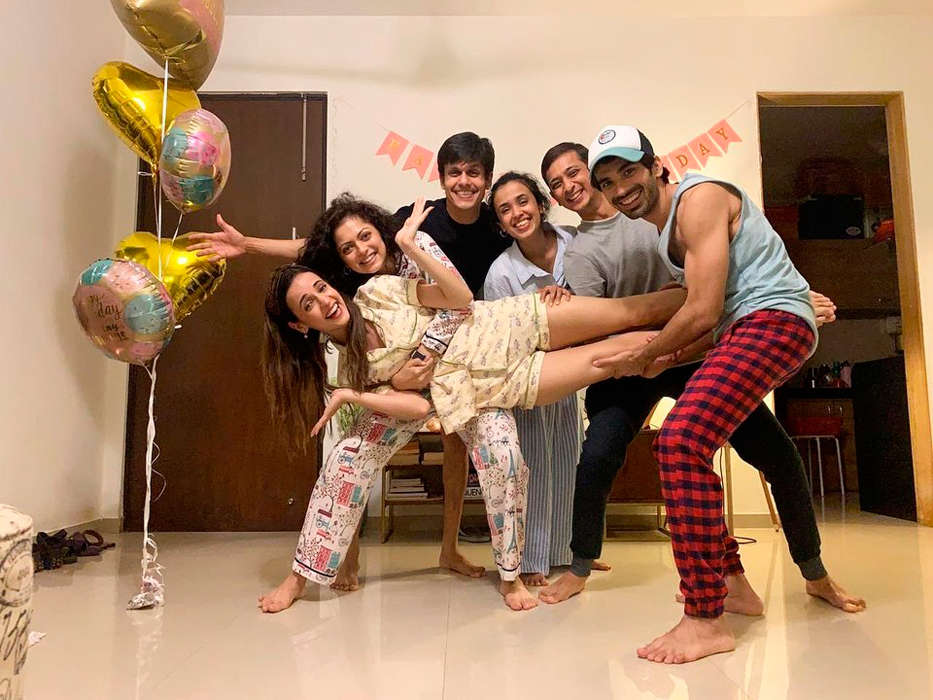 Inside pictures from Sanaya Irani's midnight birthday party