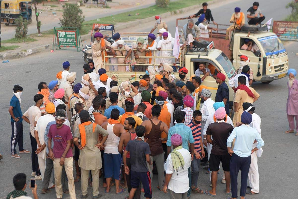 Navjot Singh Sidhu supports farmers' agitation against Agriculture Bills