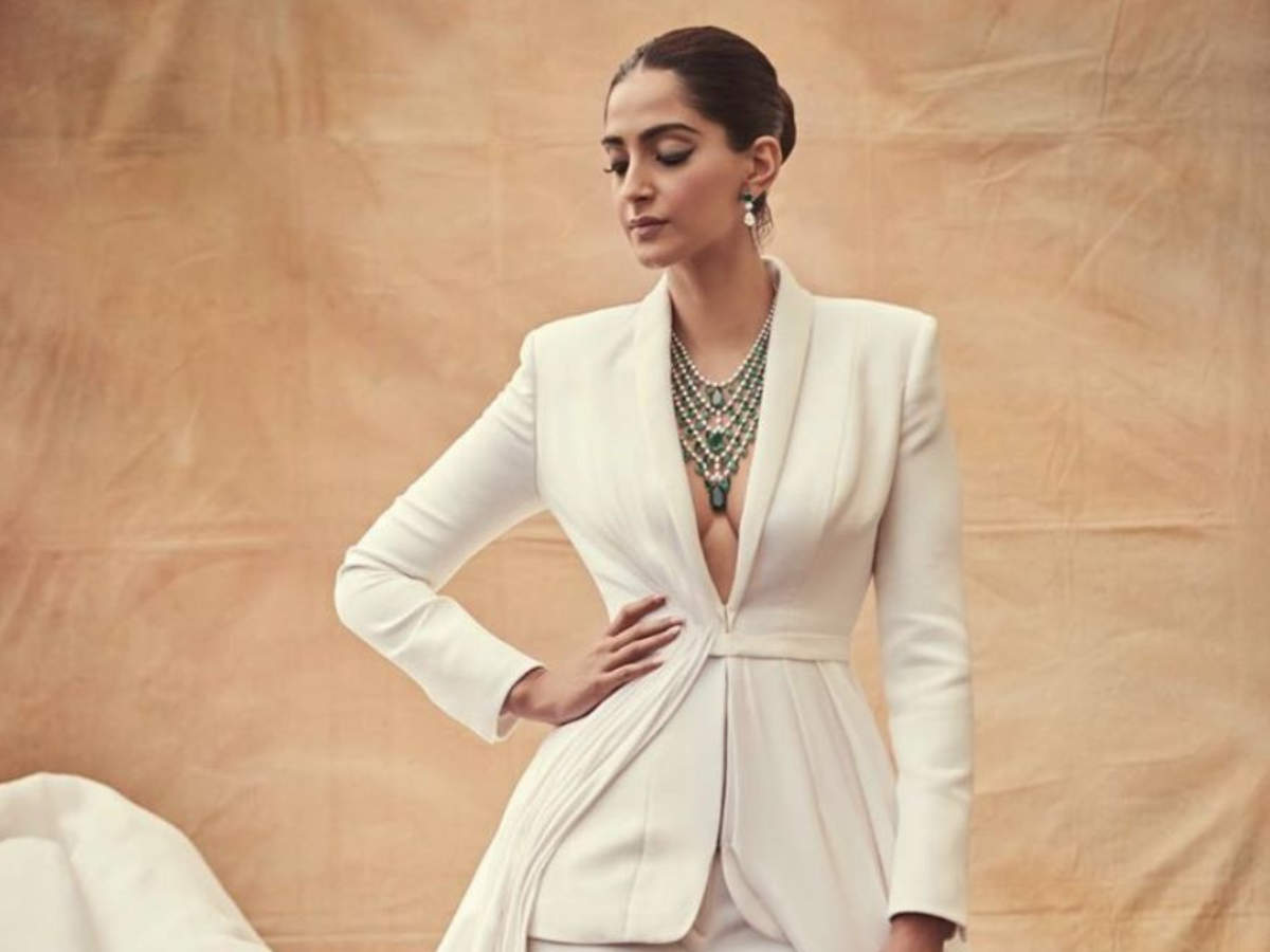 5 Bollywood stars who made a case for white pantsuits