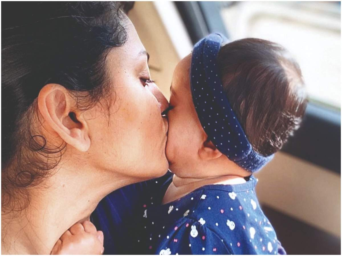 Rucha with her daughter