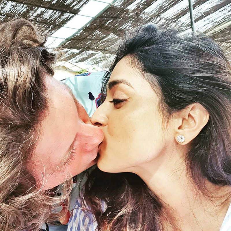 Shriya Saran shares a passionate liplock with hubby on her birthday
