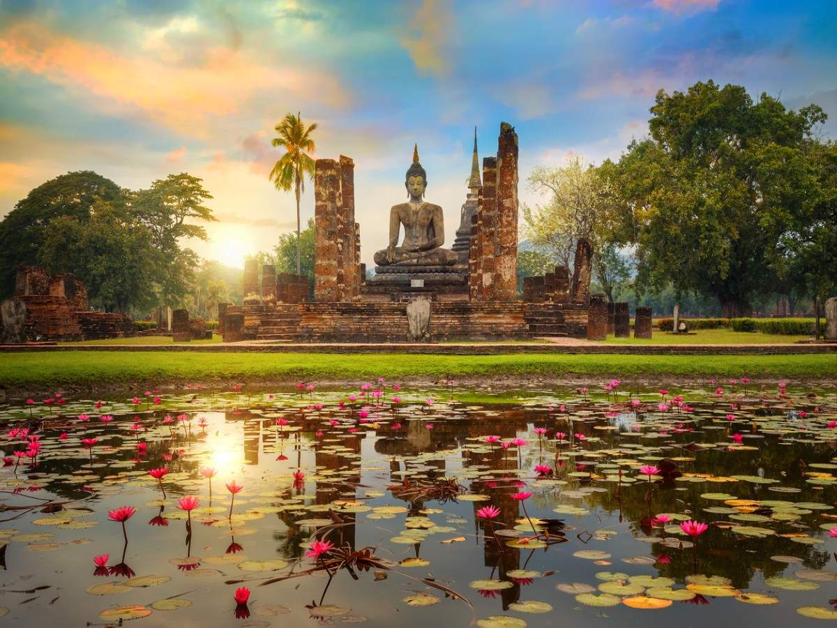 Thailand's big plan to lure tourists as early as October; increased paperwork and only private/chartered jets allowed