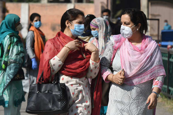 Schools re-open with few students amid COVID scare in J&K