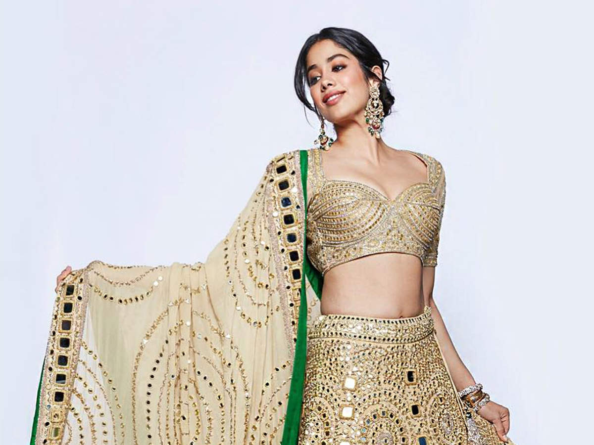 5 gorgeous lehengas worn by Bollywood stars