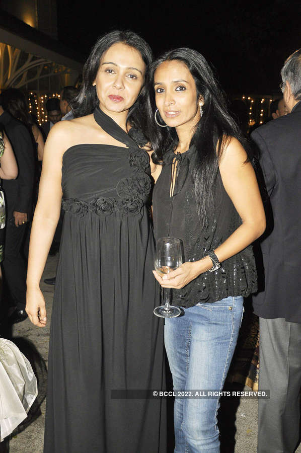 Suchitra Krishnamoorthi was asked to attend Karan Johar's parties to make a comeback