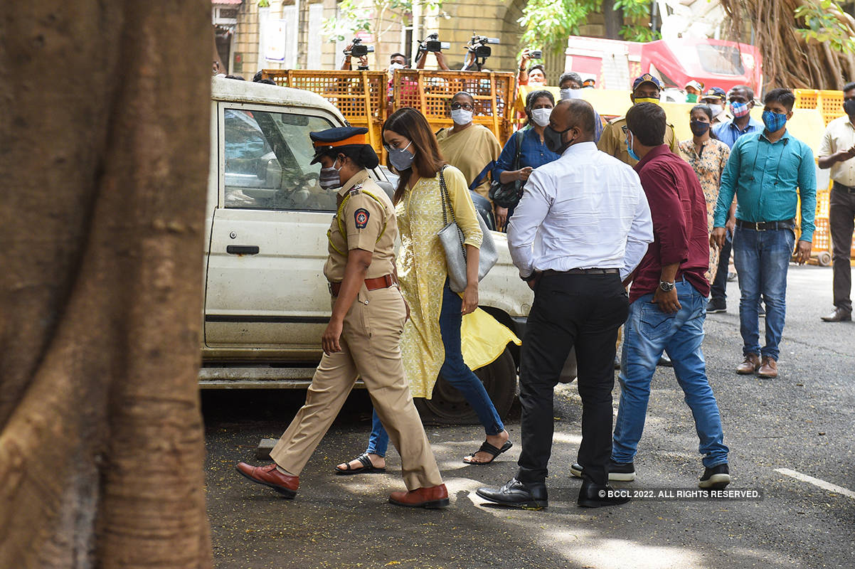 Pictures of Shraddha Kapoor reaching NCB office for drug-related probe go viral