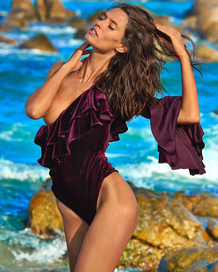 Bianca Balti will set your hearts ablaze with her captivating photos