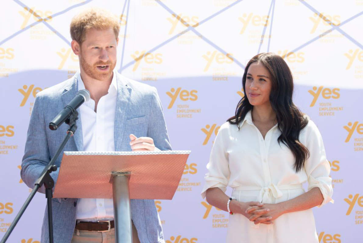 Prince Harry & Meghan Markle's anti Donald Trump speech 'broke Queen's deal'; Royal family to boycott the couple?
