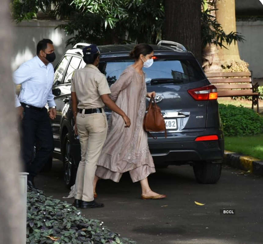 NCB official: Deepika Padukone, Sara Ali Khan, Rakul Preet Singh & Shraddha Kapoor said they don't even smoke