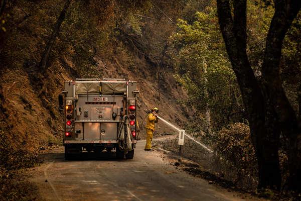 Wildfires engulf California's Napa Valley