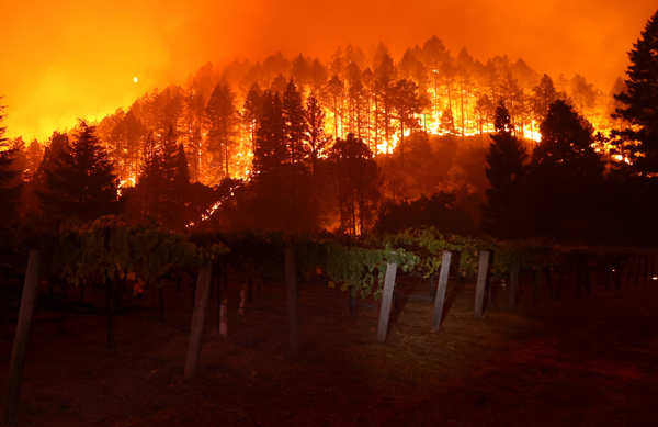 Wildfires engulf California's Napa Valley