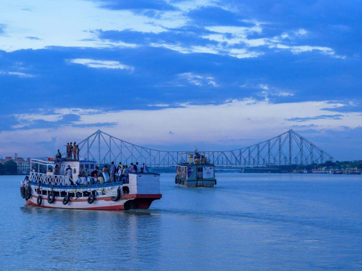 Kolkata: Hop on this stunning 90-min cruise ride on Hooghly river