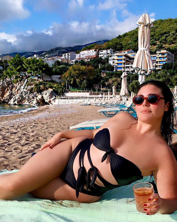 Daughter of Andy Garcia, Alessandra is a plus-size model who plans to break boundaries in fashion