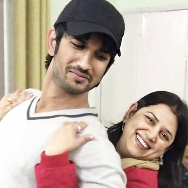 Sushant Singh Rajput's sister shares candid throwback pictures with late actor