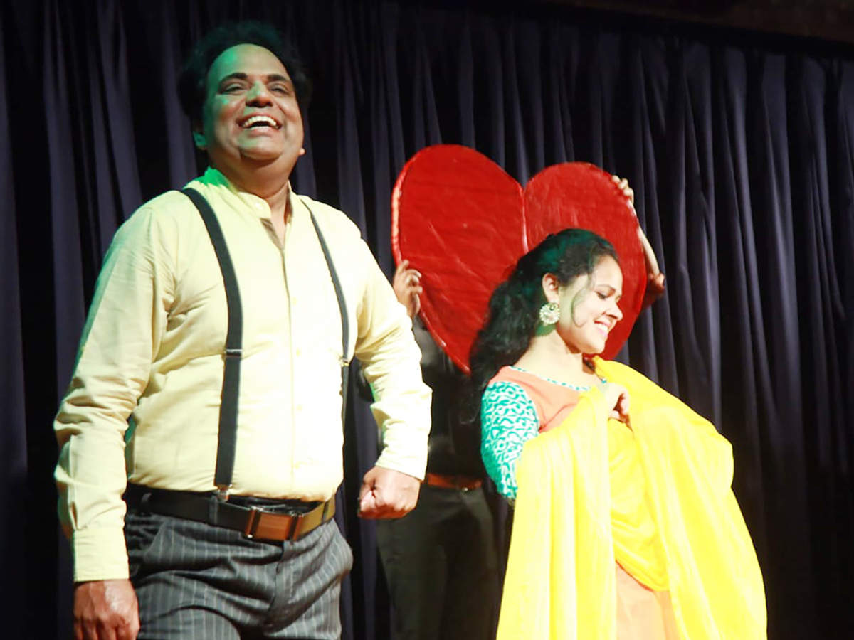 A scene from the play Flirt (BCCL)