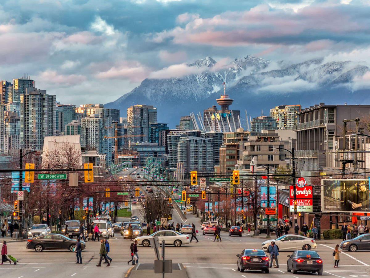 Canada bans tourists till October 31