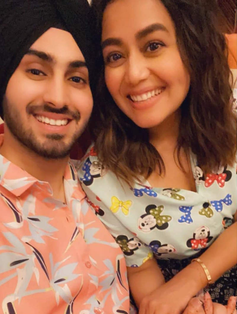 After wedding rumours, Neha Kakkar makes her relationship official with long-time friend Rohanpreet Singh