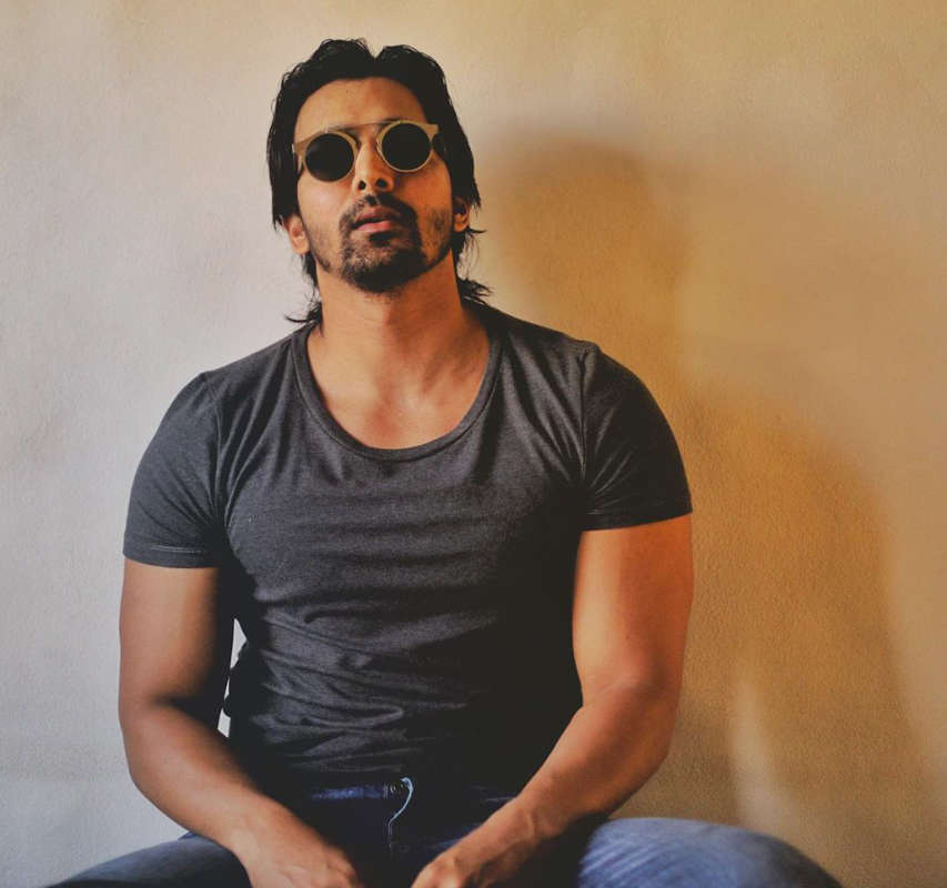 Harshvardhan Rane tests positive for COVID-19