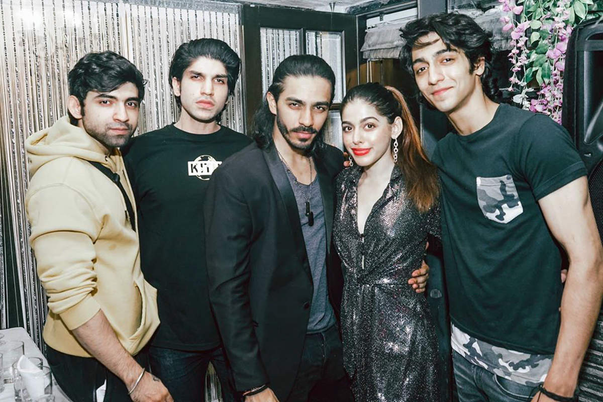 Pictures of Alaya F from Bal Thackeray's grandson Aaishvary's birthday  party go viral | Photogallery - ETimes