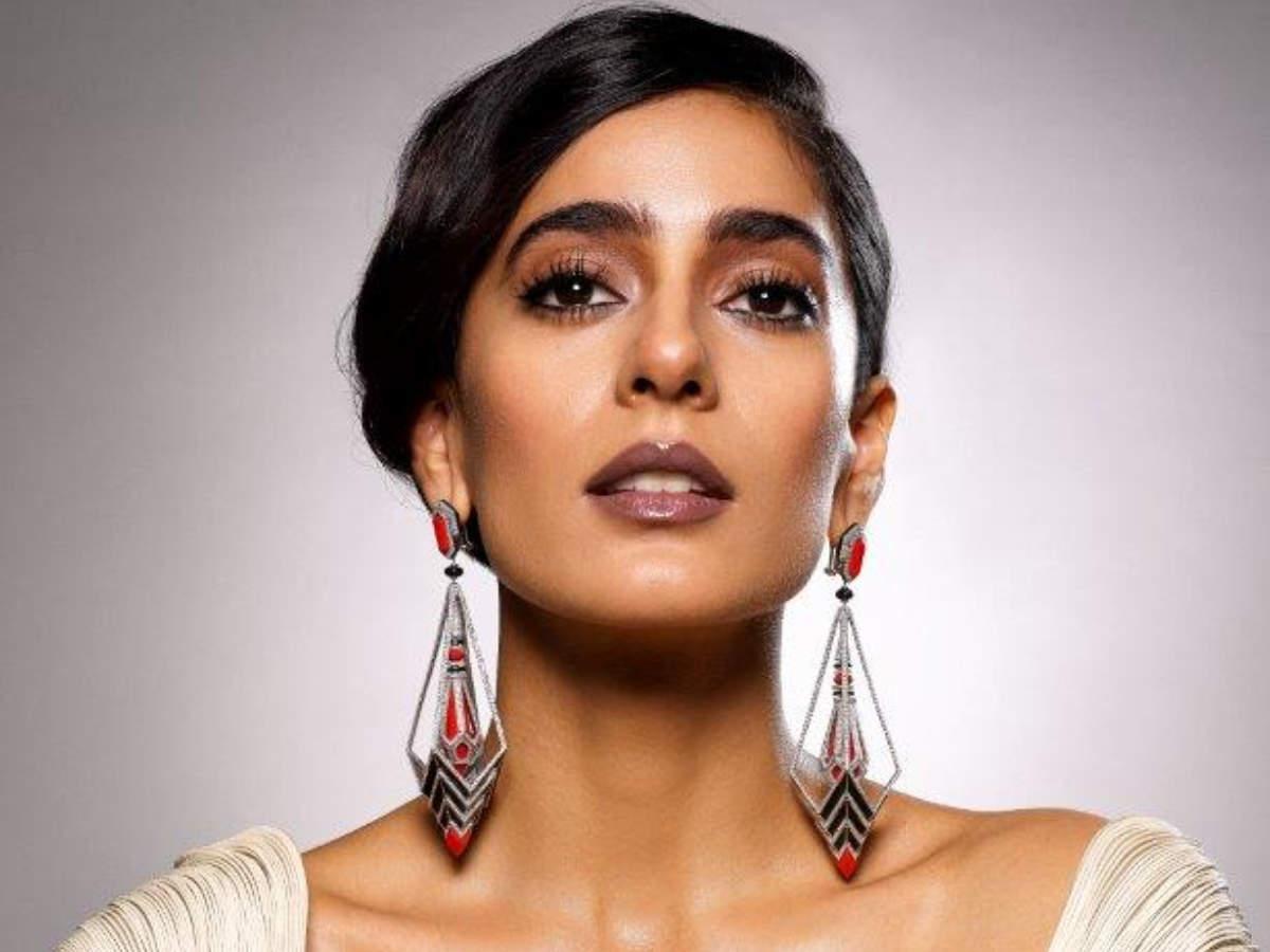 ART DECO-Designed by Harjas Kaur Mfd.by A Star Jewellery