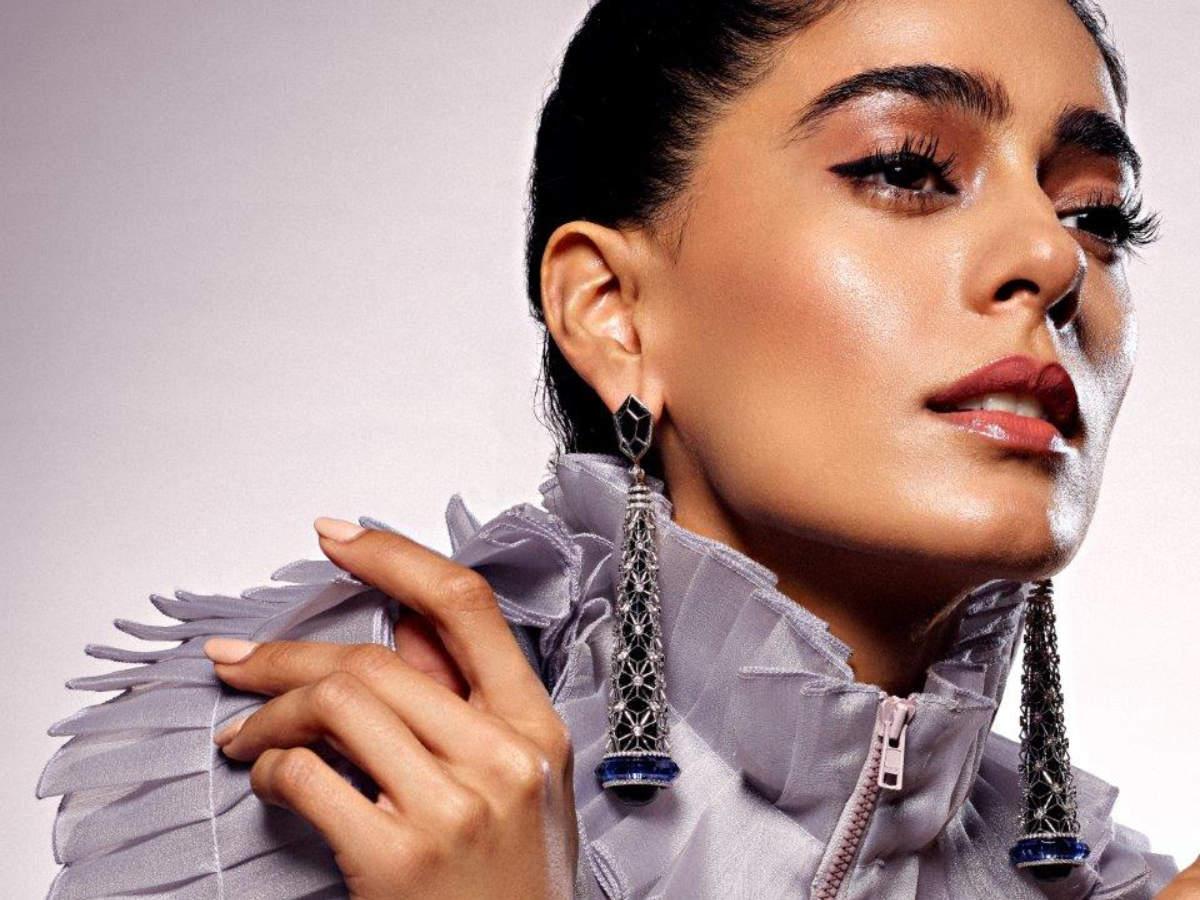 NEO FUTURISM Designed by Namrata Bhardwaj Mfd.by A Star Jewellery