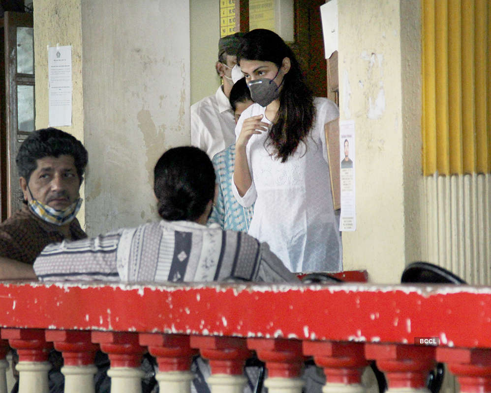 Sushant Singh Rajput case: Pictures of Rhea Chakraborty at Santacruz police station
