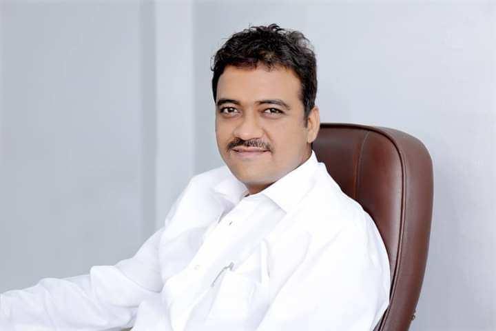 Krishnadev Yagnik.