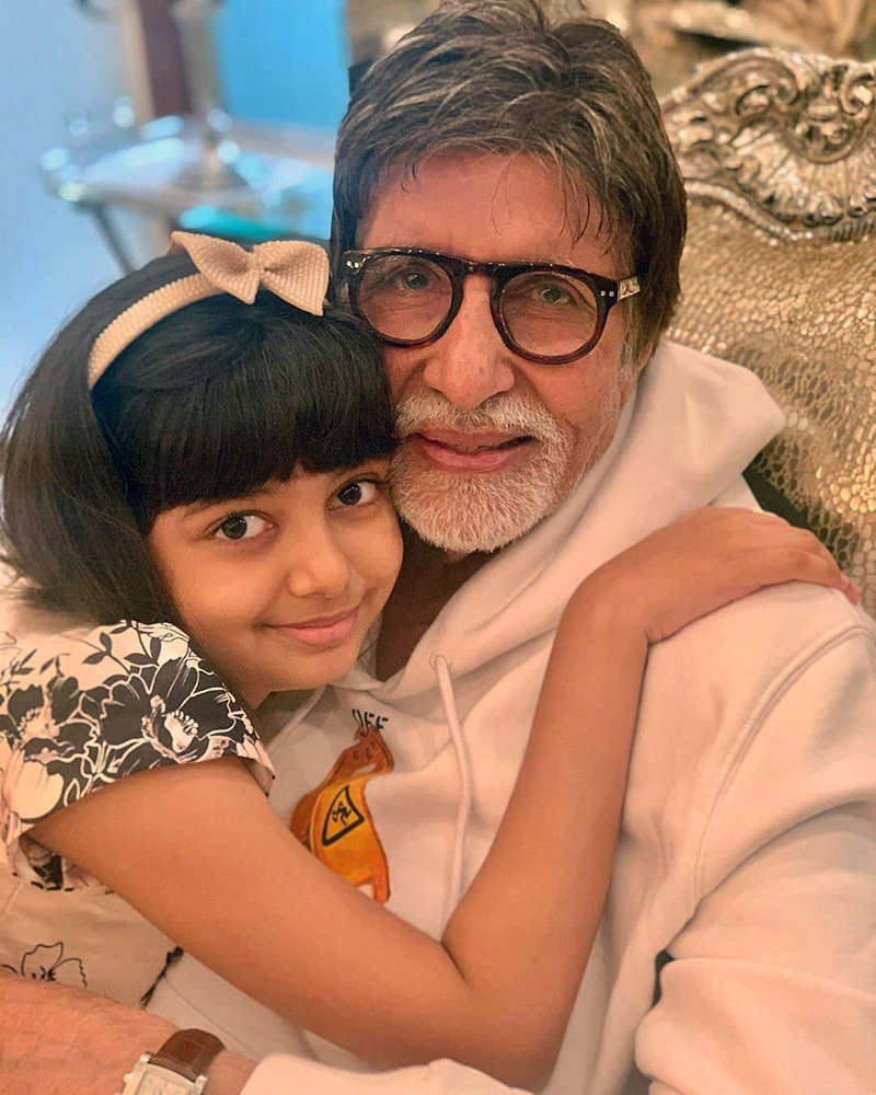 Adorable selfies of Big B with little Aaradhya Bachchan from his birthday celebration
