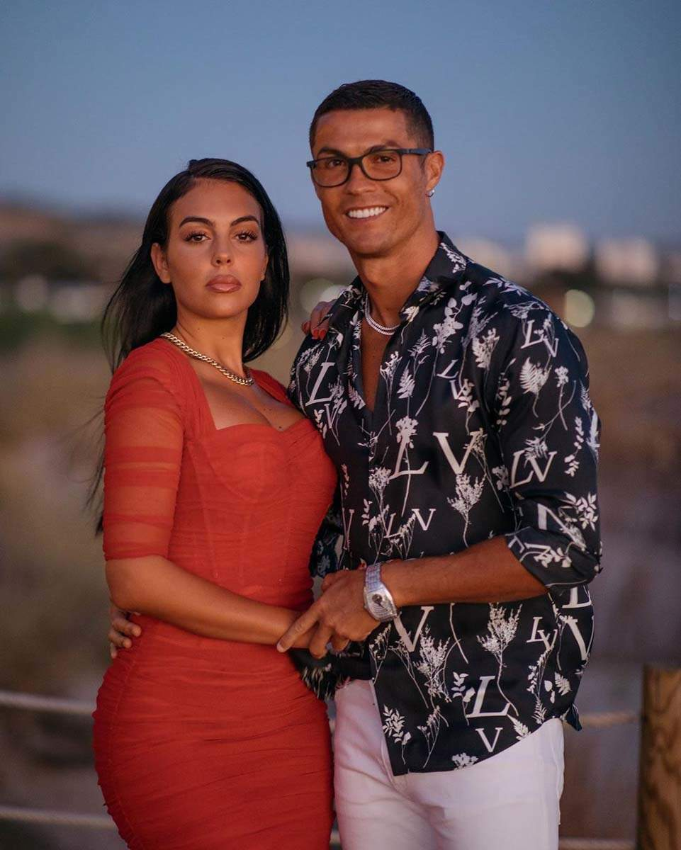 Cristiano Ronaldo's girlfriend Georgina sends heartwarming message after footballer tests Covid positive