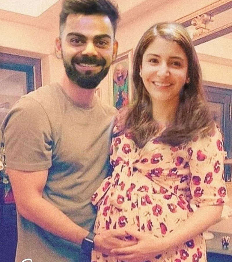 This loved-up picture of Virat Kohli & Anushka Sharma goes viral...