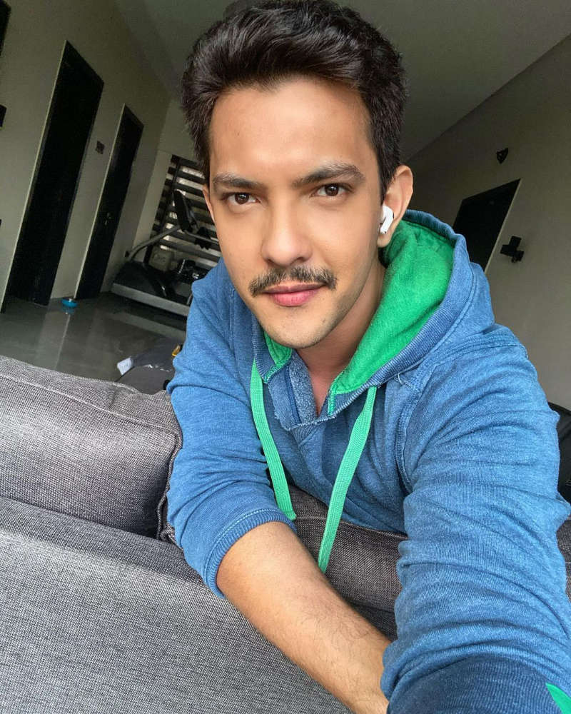 Ahead of the wedding, Aditya Narayan says all his money is gone, reveals having Rs 18K left in his account