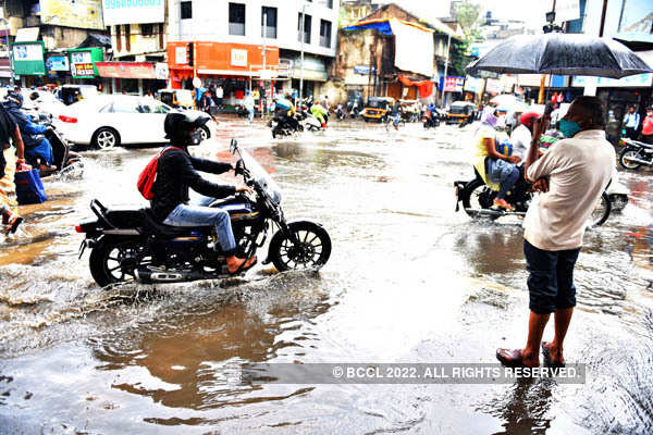 Heavy downpour lashes Pune