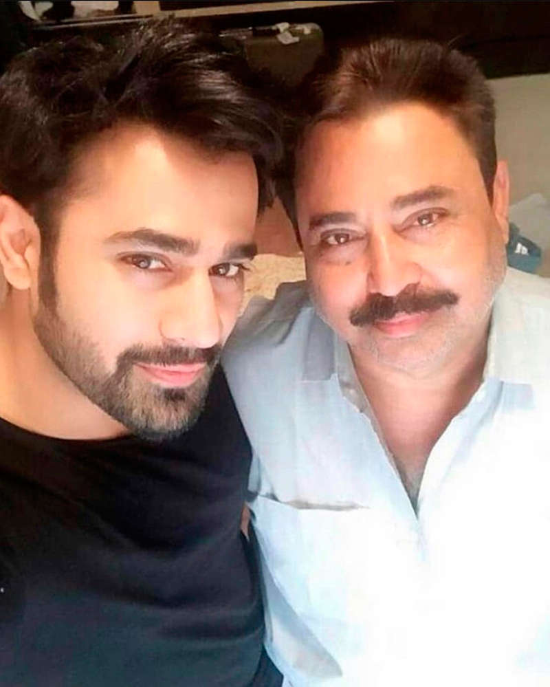 Pearl V Puri pens an emotional note after his father's death