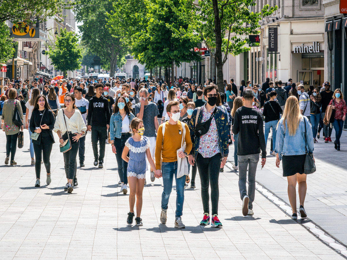 France Declares Emergency Due To Second Wave Of Covid 19 Night Time Curfew Imposed In Paris France Times Of India Travel