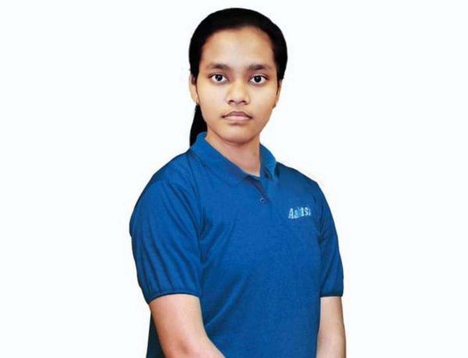 Ex-IAF airman's daughter achieves 720 marks in NEET 2020