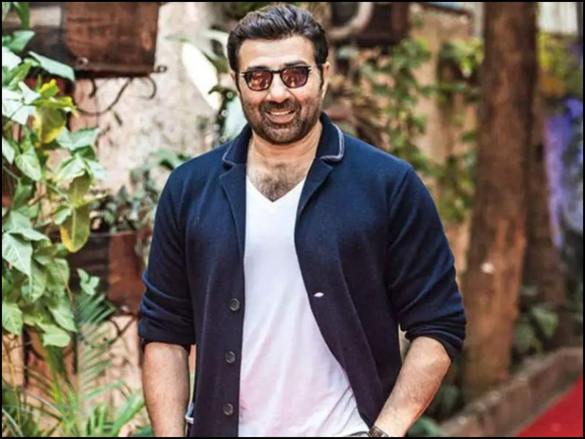 Happy Birthday, Sunny Deol: Rare pictures of the 'Border' actor with family that you should not miss | The Times of India