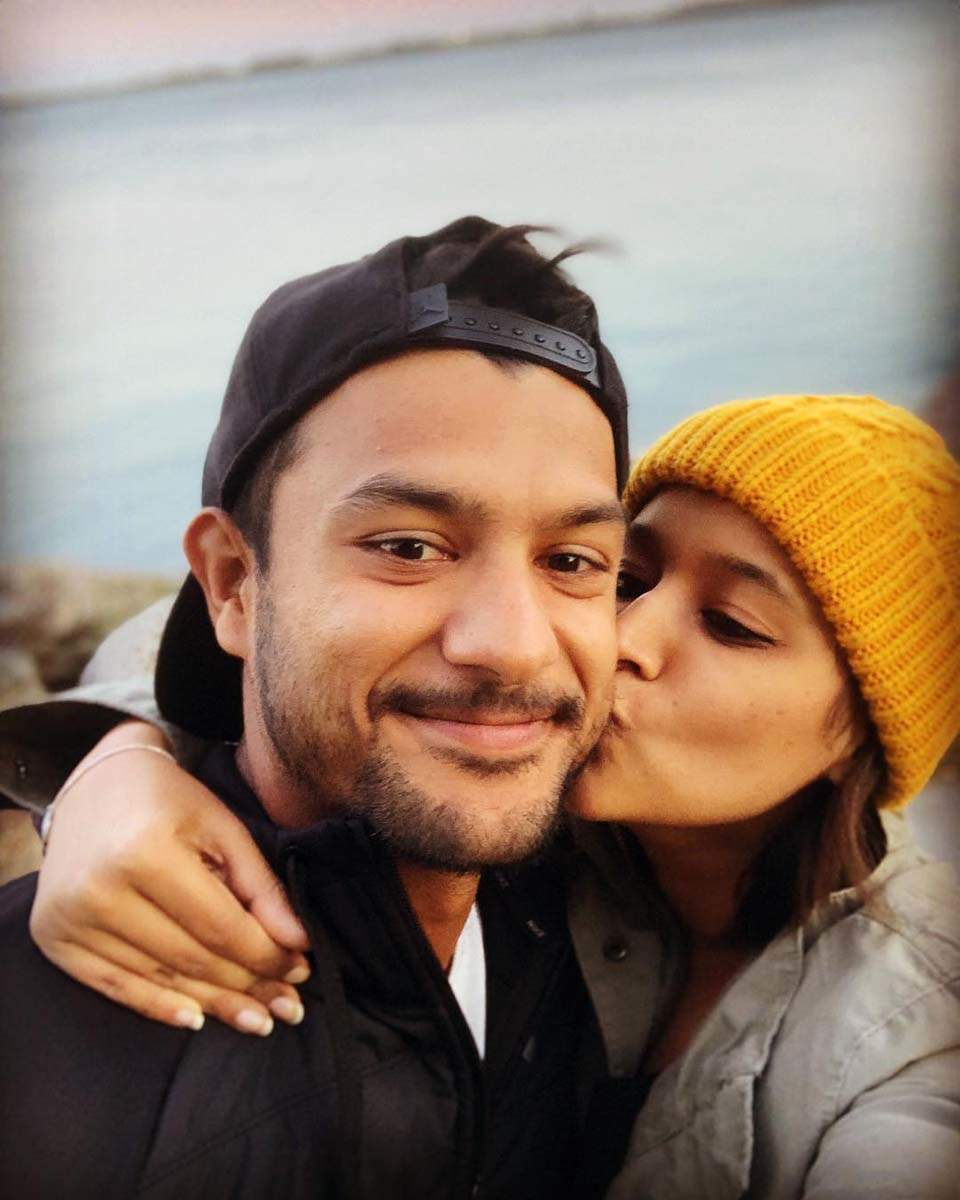 Mayank Agarwal and wife Aashita Sood's photos go viral after the cricketer's performance in IPL match